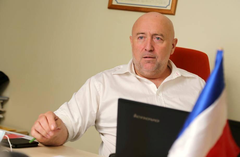 Opposé en tant qu'élu communautaire au projet de complexe aquatique du Luc, Yannick Simon aura pourtant la charge de le mener à son terme. À condition de trouver les financements nécessaires…