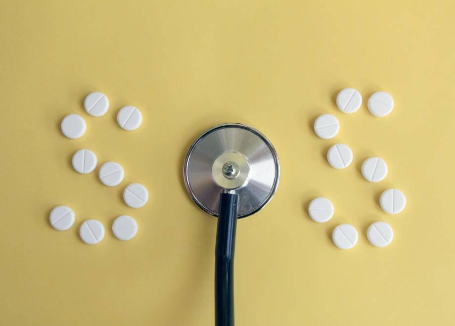 Si pendant longtemps on a gardé en tête que « les antibiotiques, c'est pas automatique », on semble avoir quelque peu oublié le précepte ces dernières années.