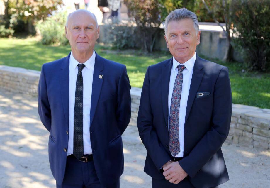 Récemment élu sénateur, André Guiol, l'ancien président de l'association des maires ruraux du Var, a passé le flambeau à Michel Gros, maire de La Roquebrussanne.