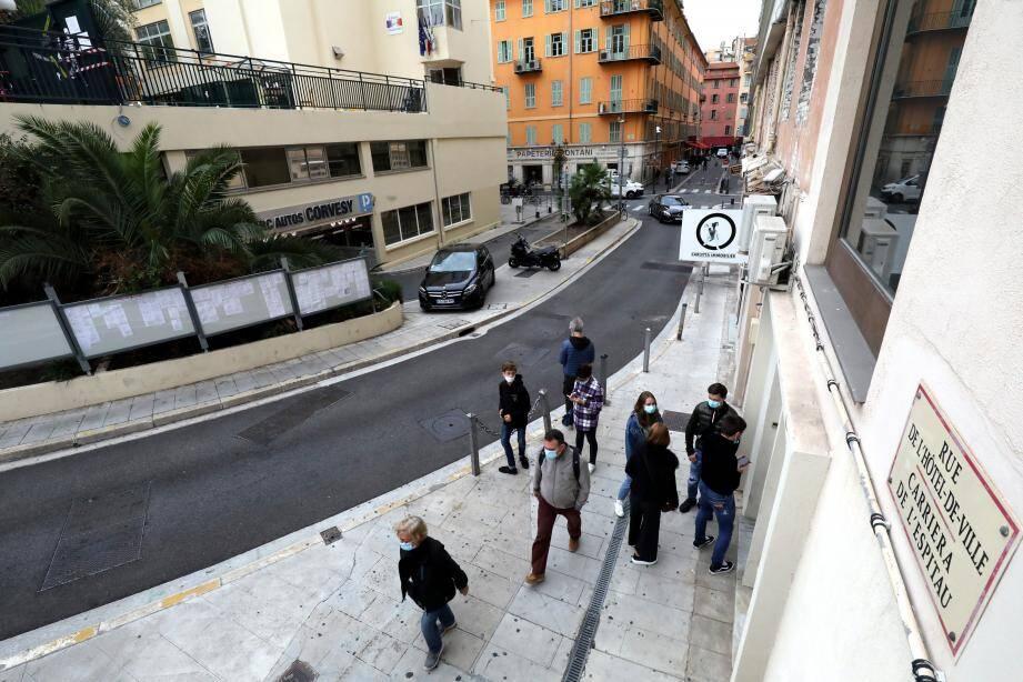 Des travaux ont lieu dans la rue de l'Hôtel de Ville et la Calade Escoffier jusqu'à mi-novembre.