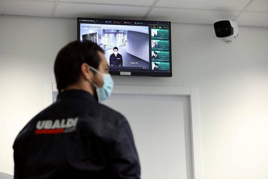 Le réflexe anti-Covid est ici déjà intégré : à l'entrée de chaque local de la société, les caméras thermiques traquent les symptômes depuis huit mois.