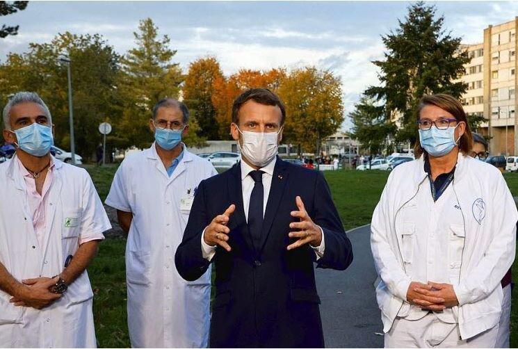 Emmanuel Macron est venu rendre visite aux soignants de l'hôpital René-Dubos à Pontoise.