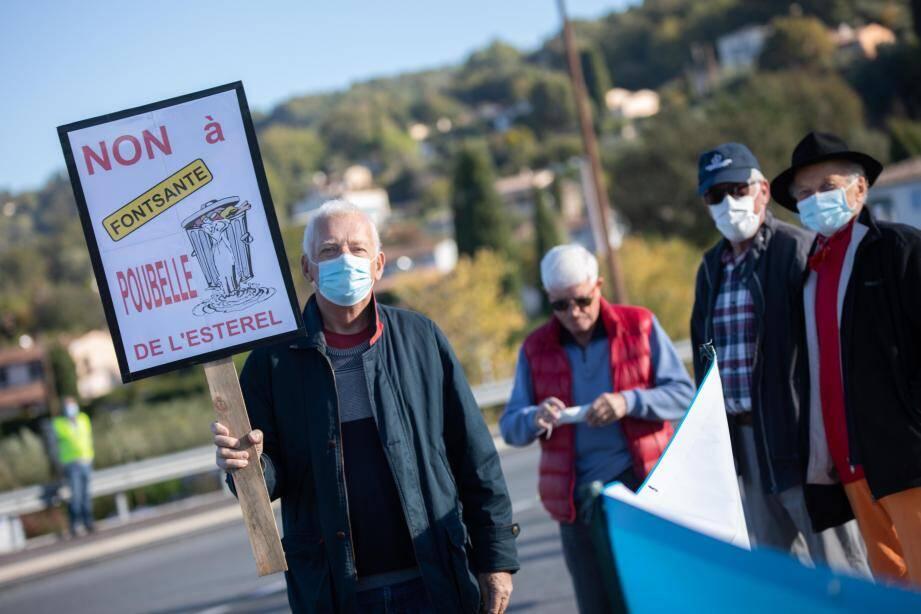 Hier matin, les détracteurs de la décharge de Fontsante ont à nouveau élevé la voix contre un projet qu'ils estiment « toxique ».