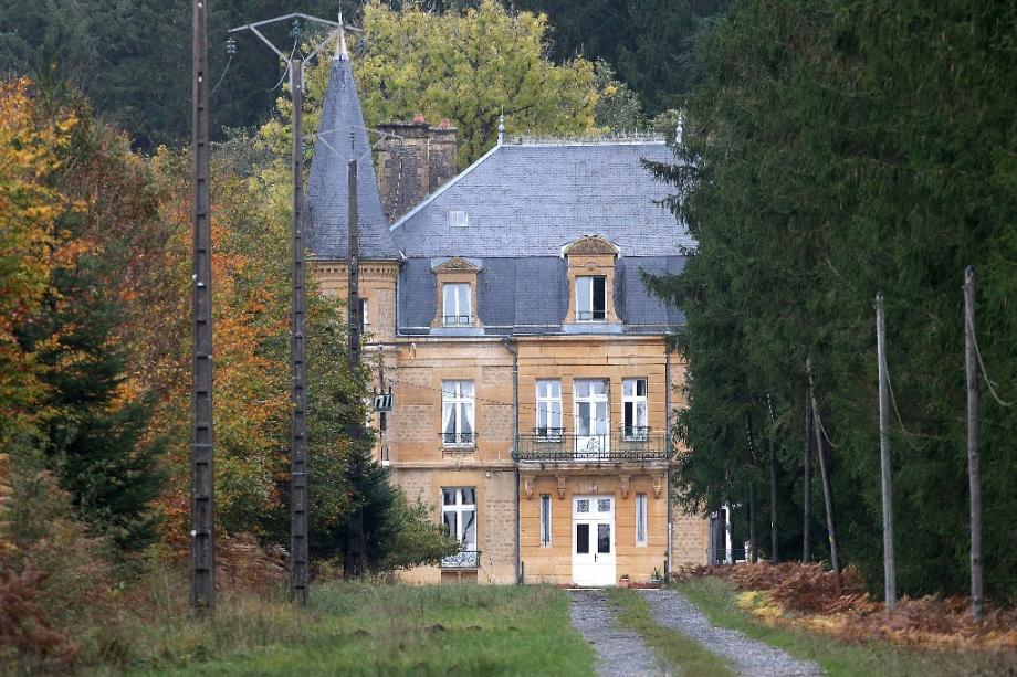 """Le """"Château du Sautou"""" appartenant à Michel Fourniret, près de Ville-sur-Lumes, le 27 octobre 2020 dans les Ardennes"""