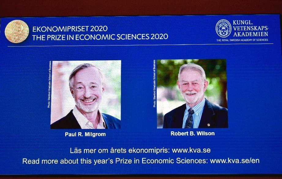Le prix Nobel d'économie est attribué aux Américains Paul Milgroms et Robert Wilson, le 12 octobre 2020 à Stockholm