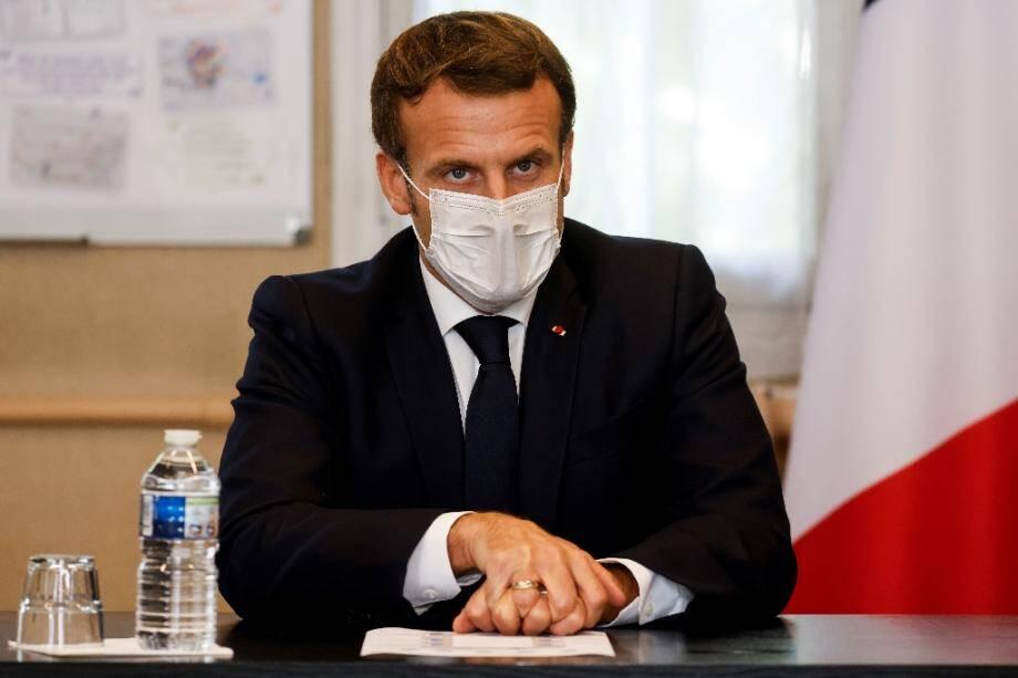 Le président Emmanuel Macron le 23 octobre 2020 à l'hôpital de Pontoise