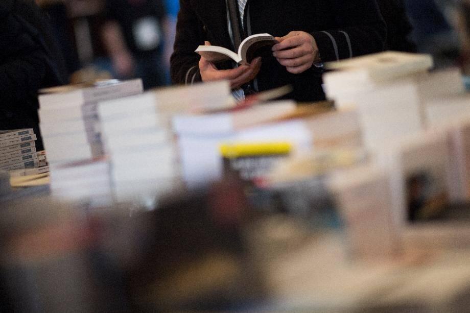 Les prix Goncourt, qui doit être décerné le 10 novembre, et Interallié, prévu le 18, ne seront remis que si les librairies sont ouvertes à ce moment-là, ont indiqué jeudi les jurys