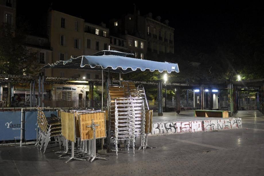 Terrasses fermées et restaurants à Marseille le 27 septembre 2020