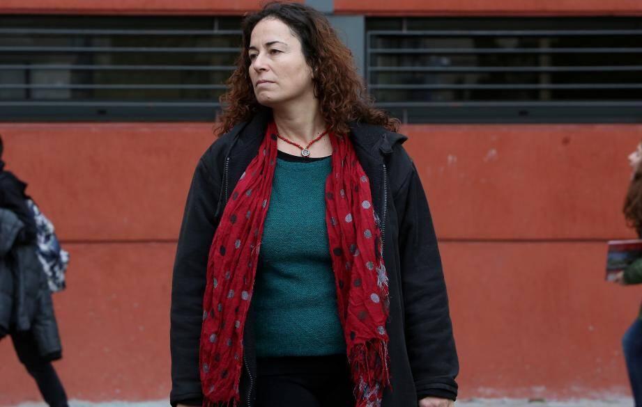 Pinar Selek est sociologue et féministe. Française d'origine turque, réfugiée politique à Nice, elle combat l'extrême droite et le fondamentalisme islamique.