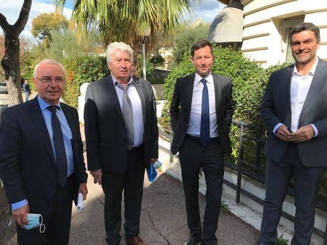 Jean Leonetti, Henry Mathey, François-Xavier Bellamy et Eric Pauget ont évoqué les difficultés du secteur touristique, vendredi à Juan-les-Pins.