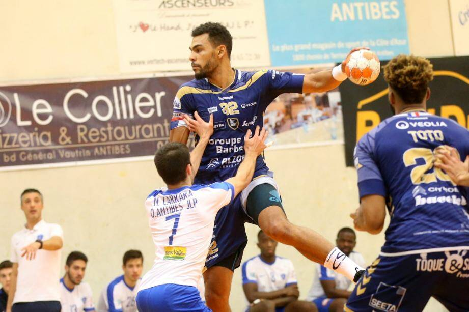 Adrien Dipanda.