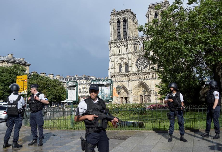 Aux assises, l'assaillant au marteau de Notre-Dame assume un geste
