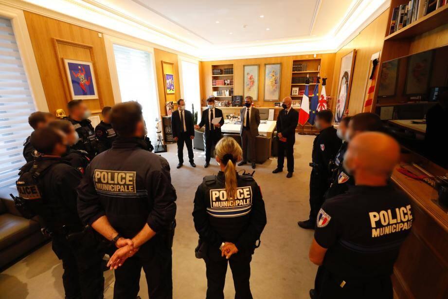 Christian Estrosi les recevait dans son bureau ce midi en compagnie du préfet des Alpes-Maritimes et du procureur de la République de Nice.