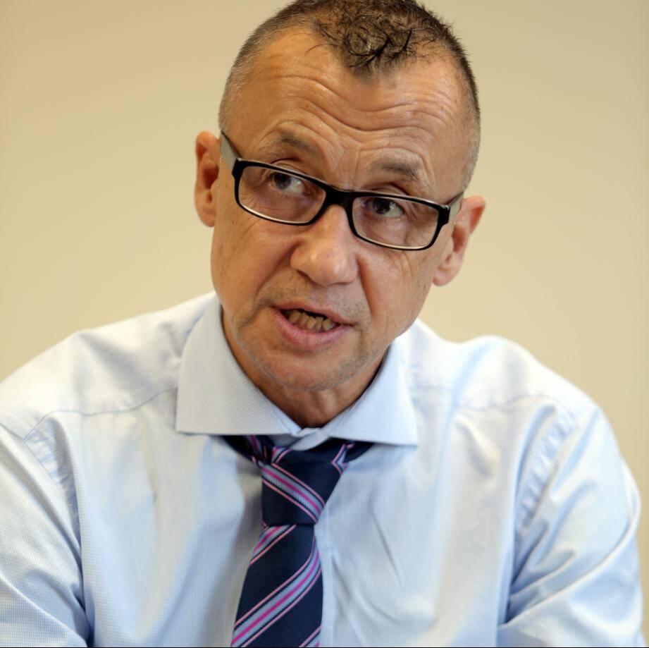Le professeur Thierry Piche