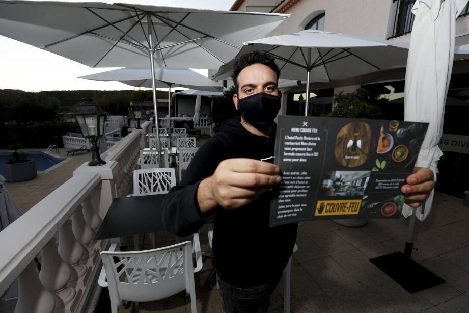 Le menu couvre-feu, à 120euros pour deux personnes, comporte l'entrée, plat, dessert au restaurant, avec une nuit à l'hôtel et le petit-déjeuner.