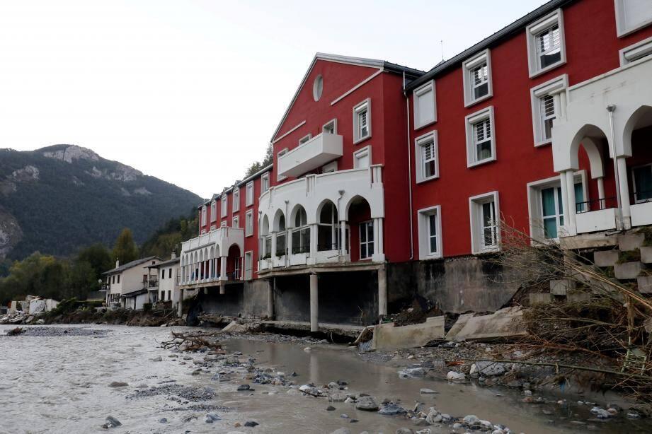 Les Rotariens des clubs de la Riviera Française et de Monaco espèrent vendre 30 000 roses pour mener à bien leur opération.