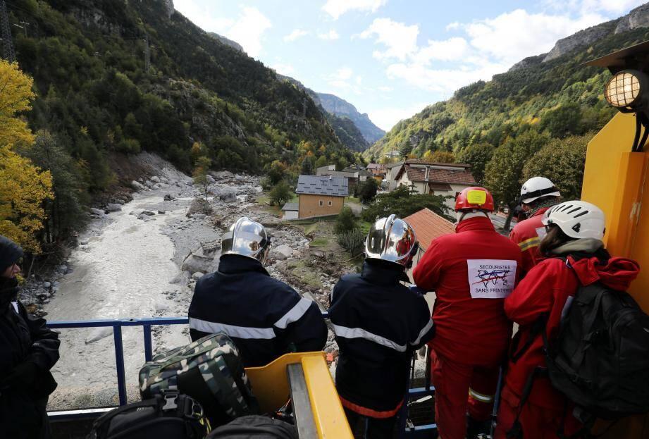 Les habitants souhaitent que secouristes et bénévoles puissent continuer à venir.