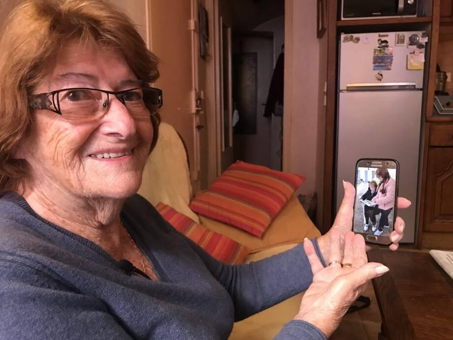 Claude, 83 ans, a rencontré pour la première fois sa sœur aînée au début du mois d'octobre.