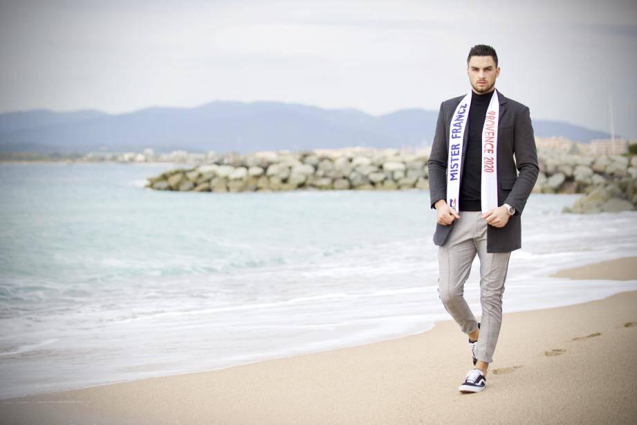 L'agent immobilier raphaëlois de 25 ans est devenu Mister Paca 2020. Passionné de mode, il vise l'écharpe et le titre national dans un concours moins en vue que chez les femmes