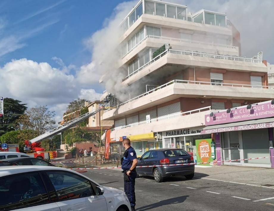 L'incendie a été maîtrisé vers midi.