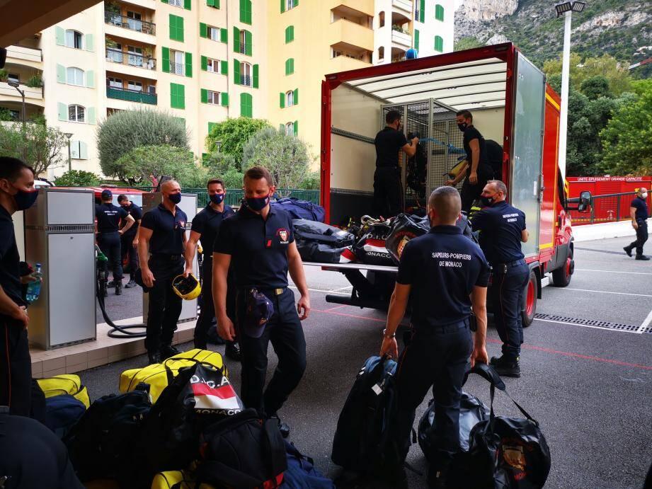 Un détachement de sept hommes a quitté la caserne de Monaco ce jeudi matin, direction Castagniers.