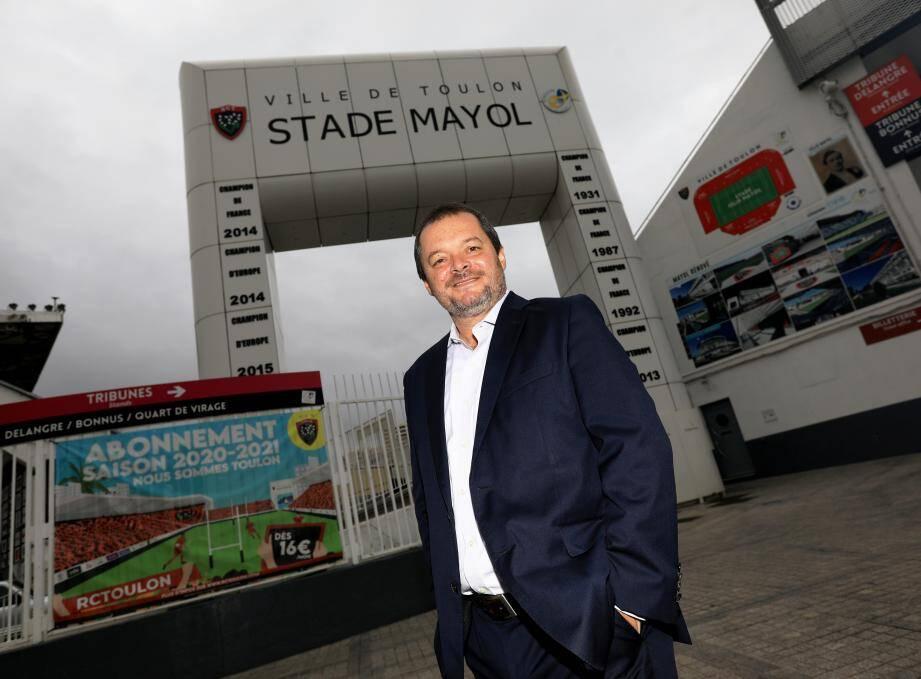 """Le nouveau patron de Randstad France Frank Ribuot, en fan inconditionnel du rugby et du RCT en particulier, ambitionne de faire de la France l'un des centres de compétences pour l'Europe. """"Il faut jouer en équipe"""", dit-il."""