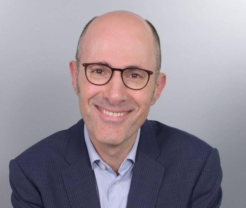 Eric Panijet succède à Hugues Witvoet à la présidence du laboratoire de Carros.