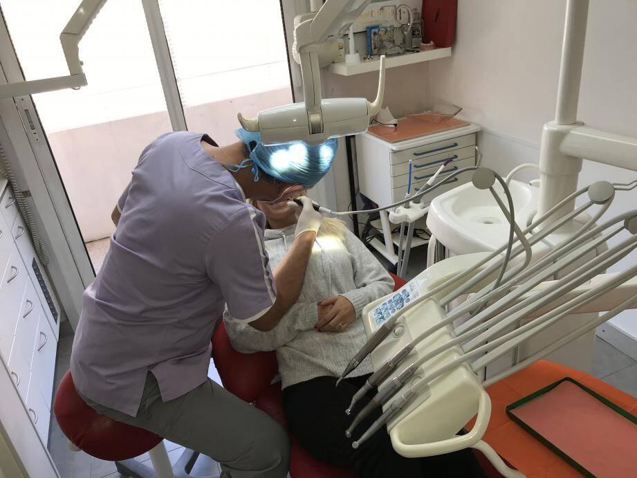 Puis-je aller chez mon dentiste?