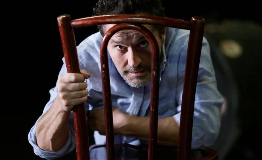 Thierry Surace, directeur du théâtre de la Cité, avance à l'aveugle contre la Covid-19. Et s'accroche, tant bien que mal, pour survivre.