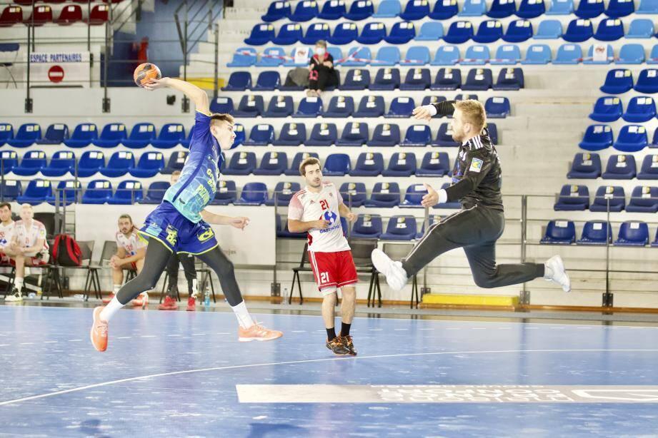 Saint-Raphaël, pour le compte de la 6e journée de Championnat de France, devait initialement rencontrer Montpellier samedi après-midi.