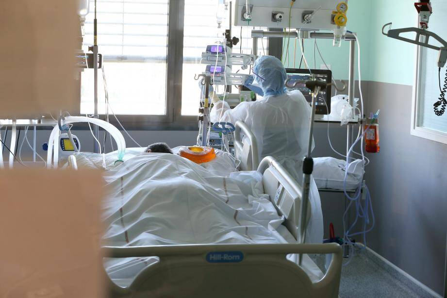 Le nombre de patients en soins intensifs poursuit sa décrue dans les hôpitaux du Var.