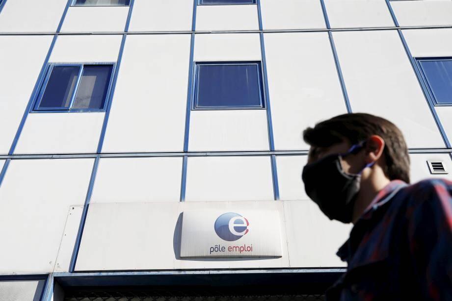 D'après les derniers chiffres de l'Insee, 9% de la population active est sans emploi en France.