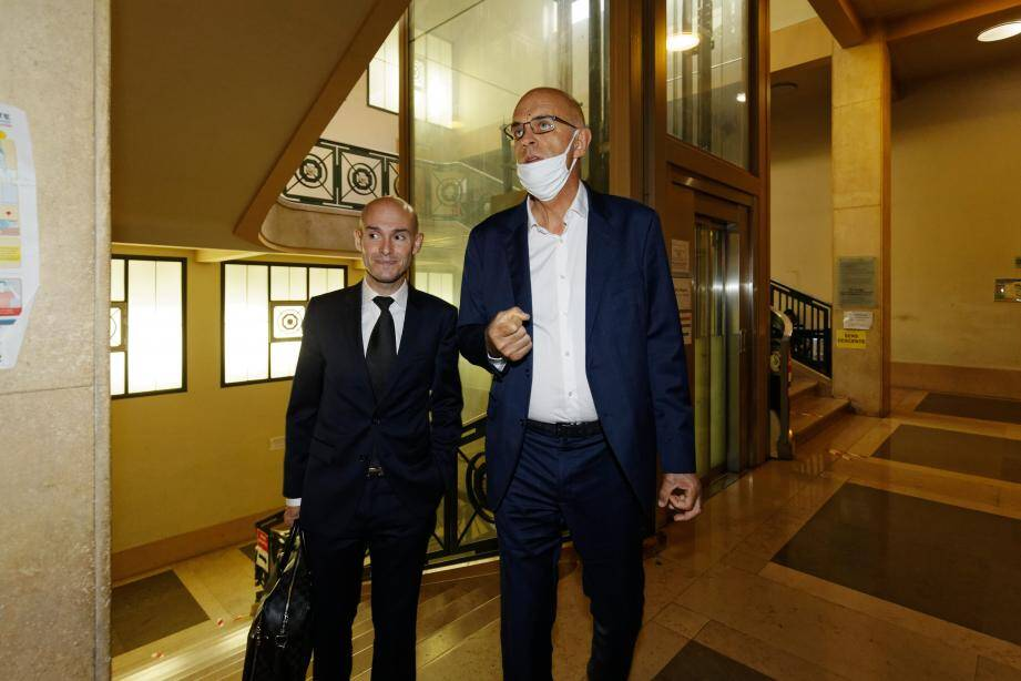 Ferdinand Bernhard et son avocat.