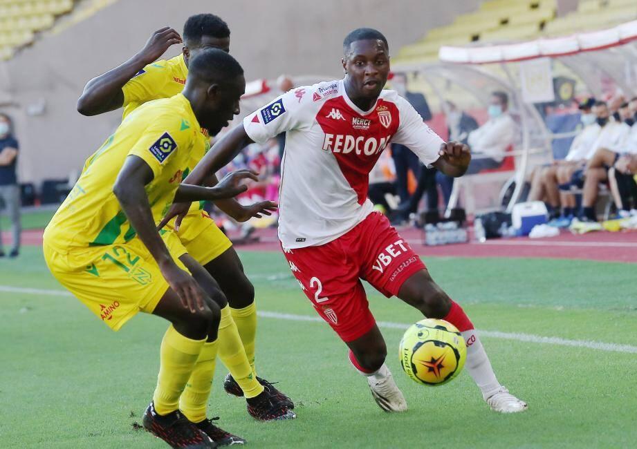Fodé Ballo-Touré souffre d'une fracture du métatarse du pied droit. Le club princier n'a, en revanche, pas communiqué l'origine du forfait de Djibril Sidibé.