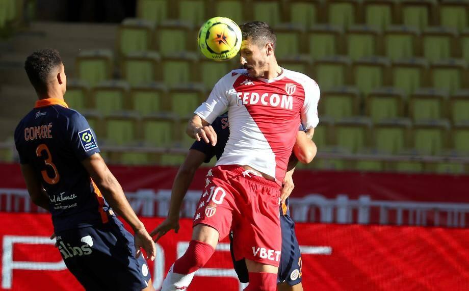 Stefan Jovetic est titulaire en attaque.