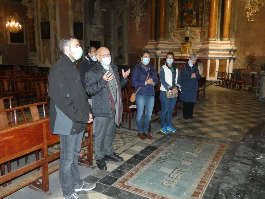 Monseigneur Marceau a procédé à une prière pour les disparus et une bénédiction.