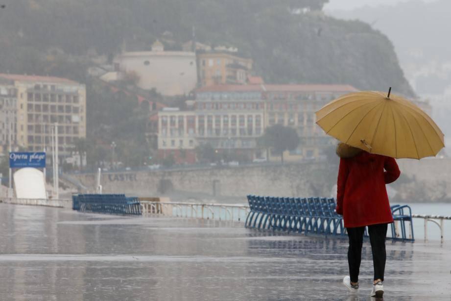 A Nice et sur la Côte d'Azur, l'année 2021 commence sous la pluie.