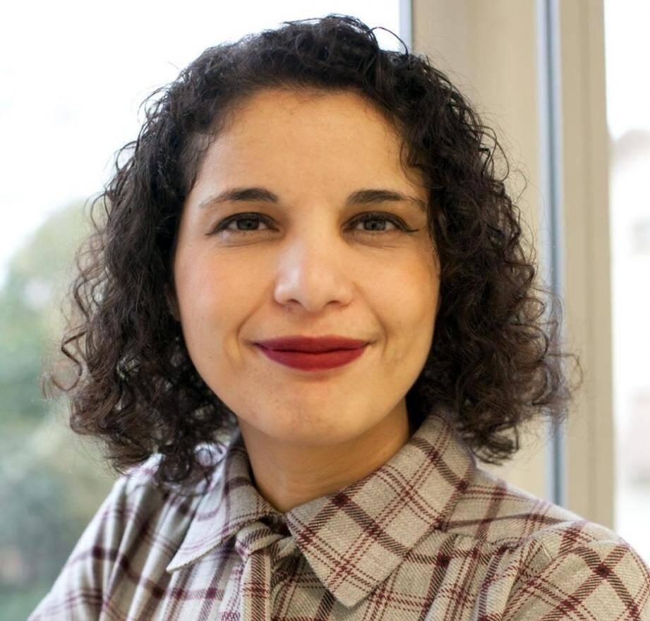 Fatiha Agag-Boudjahlat, française, militante féministe et laïque, est professeur d'histoire-géographie dans un collège toulousain. Elle en est la référente laïcité et citoyenneté.