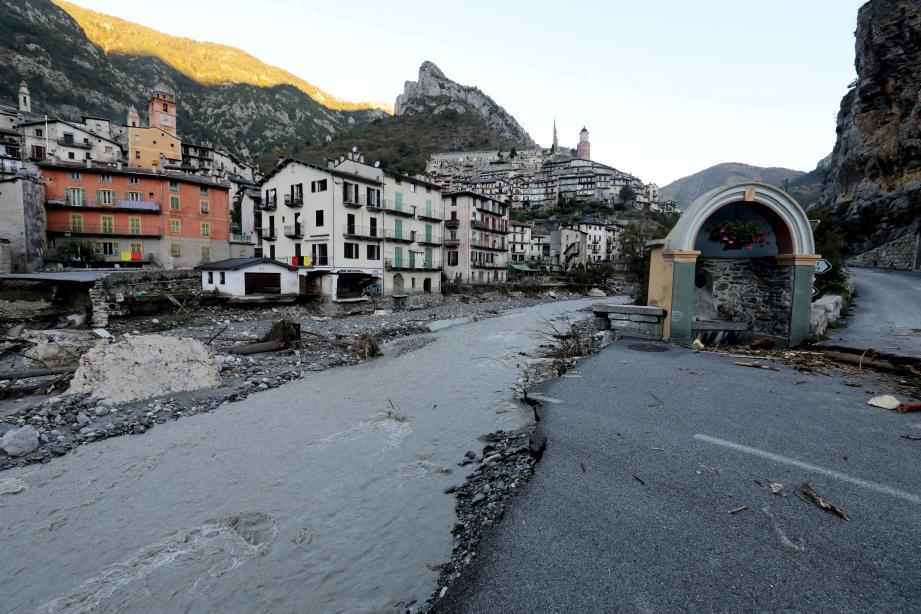 A Tende là où se tenait le pont du bourg-neuf, le 8 octobre dernier.