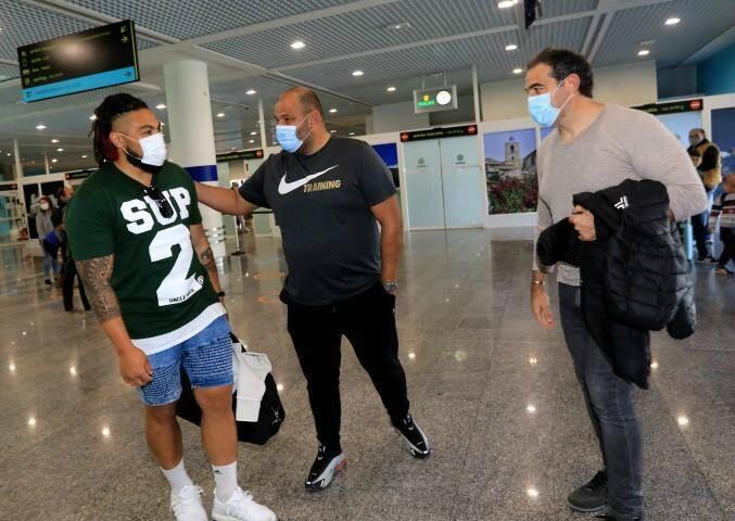 Ma'a Nonu a été accueilli par le manager du RCT Patrice Collazo et le directeur sportif Laurent Emmanuelli.