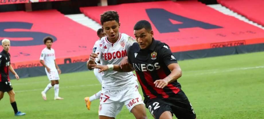 Rony Lopes de l'OGC Nice opposé à Sofiane Diop de l'AS Monaco en amical à l'Allianz Riviera