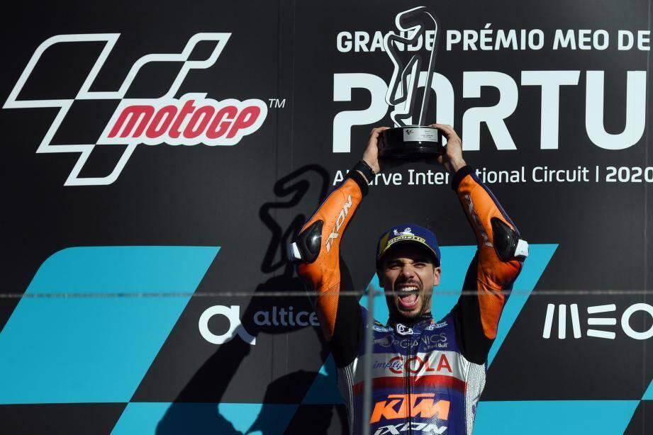 Le Portugais Miguel Oliveira a remporté dimanche le Grand Prix du Portugal MotoGP qu'il a dominé de bout en bout, Ducati remportant le titre mondial des constructeurs grâce à la 2e place de l'Australien Jack Miller.