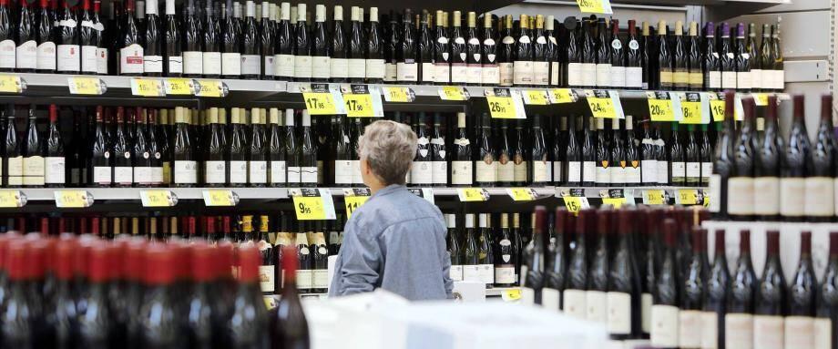 Le tribunal correctionnel condamnera le voleur de bouteilles de vin et de champagne à deux mois de prison avec sursis.