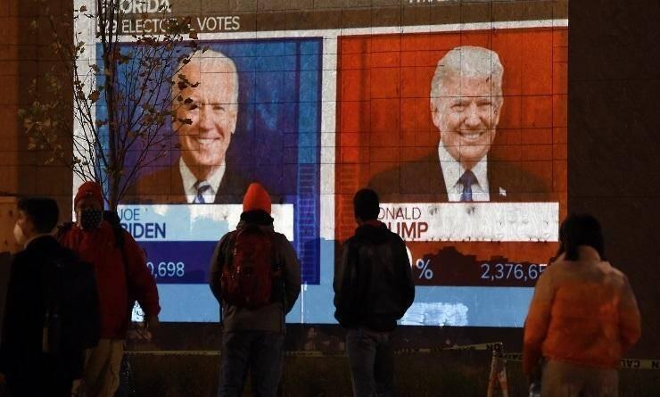 Le président américain Donald Trump a accusé mercredi son rival démocrate Joe Biden d'essayer de voler l'élection, sans aucun élément concret à l'appui, au moment où le décompte se poursuivait dans un scrutin extrêmement serré.
