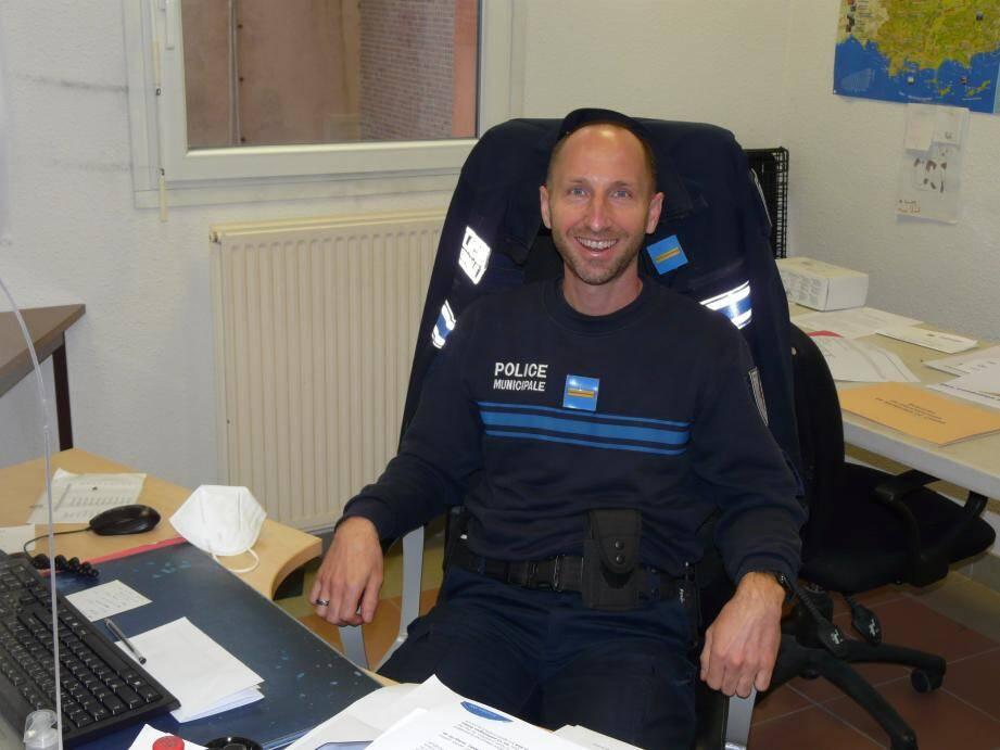 Laurent Pascal, ancien gendarme, a notamment préféré une fonction locale pour être au plus près de la population.