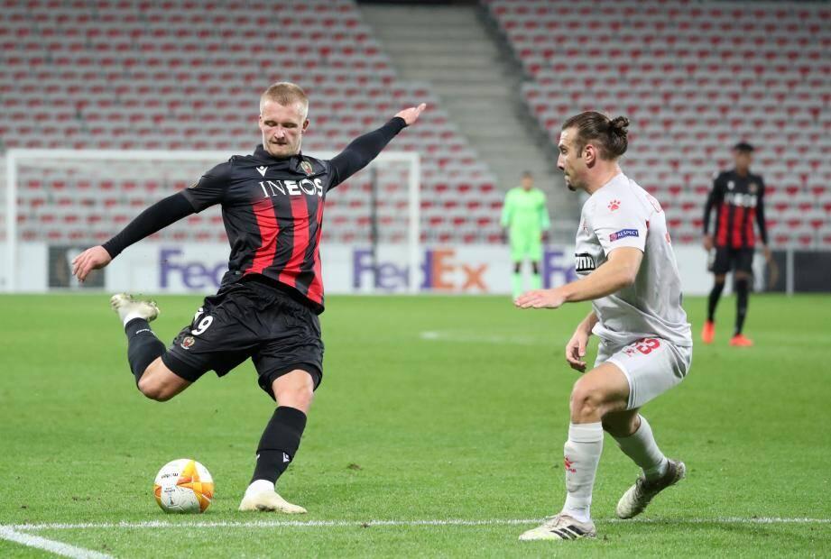Kasper Dolberg, remplaçant à Angers, sera aligné en pointe, ce soir à Prague.