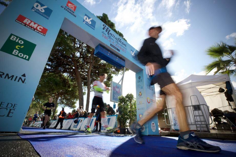 Courir pour la bonne cause : le leitmotiv de ce Marathon Nice-Cannes connecté.