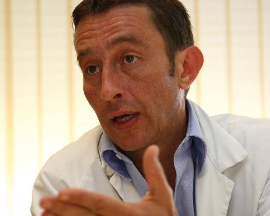 C'est sous la coordination du CHU de Nice et sous la responsabilité du Dr Eric Cua qu'une molécule - l'ABX464 - susceptible d'atténuer les réactions inflammatoires graves - orage cytokinique - est testée à l'échelle européenne.
