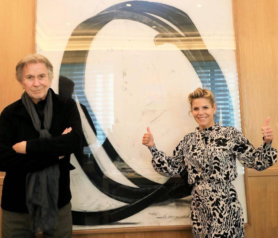 Laura Tenoudji-Estrosi et Bernar Venet, hier, devant une œuvre de l'artiste, qui ressemble à celle figurant parmi les lots de cette tombola extraordinaire.