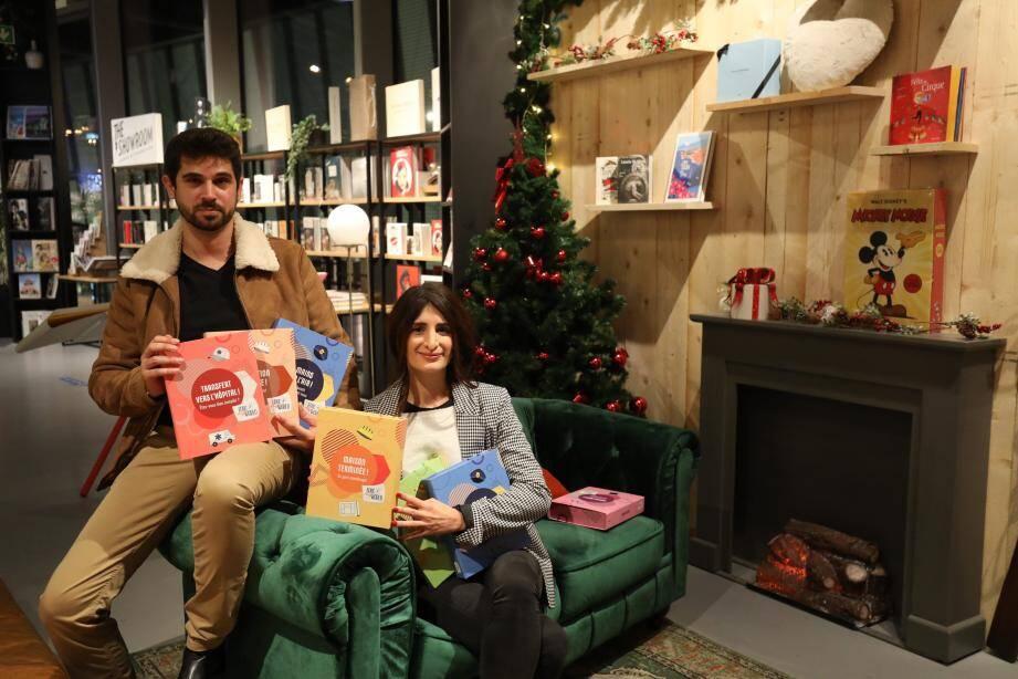 """Valériane et Marc, les concepteurs des coffrets """"Educ My World"""", destinés aux enfants à partir de 8 ans."""